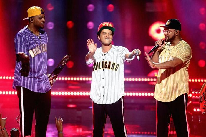 Confira as performances de Bruno Mars, Chris Brown e mais ...