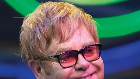 b6e49b8929461 Elton John confirma show em Fortaleza