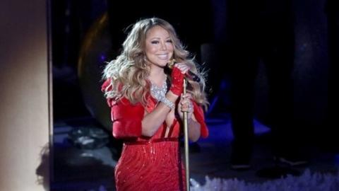 Mariah Carey anuncia relançamento do álbum natalino