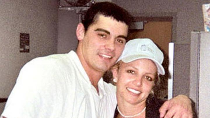 Em 2004, Britney Spears ficou casada por 2 dias. Veja outros casos que duraram menos de um ano - VAGALUME