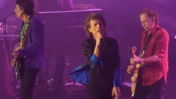"""Resultado de imagem para The Rolling Stones toca """"Harlem Shuffle"""" em show"""