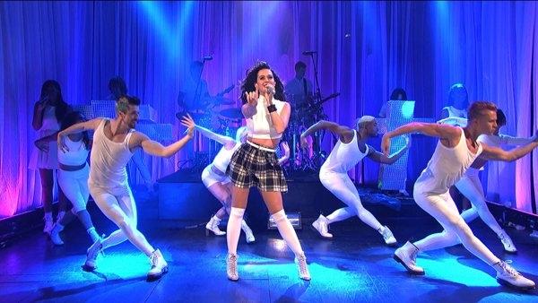 Katy Perry Walking On Air 100039 jpg